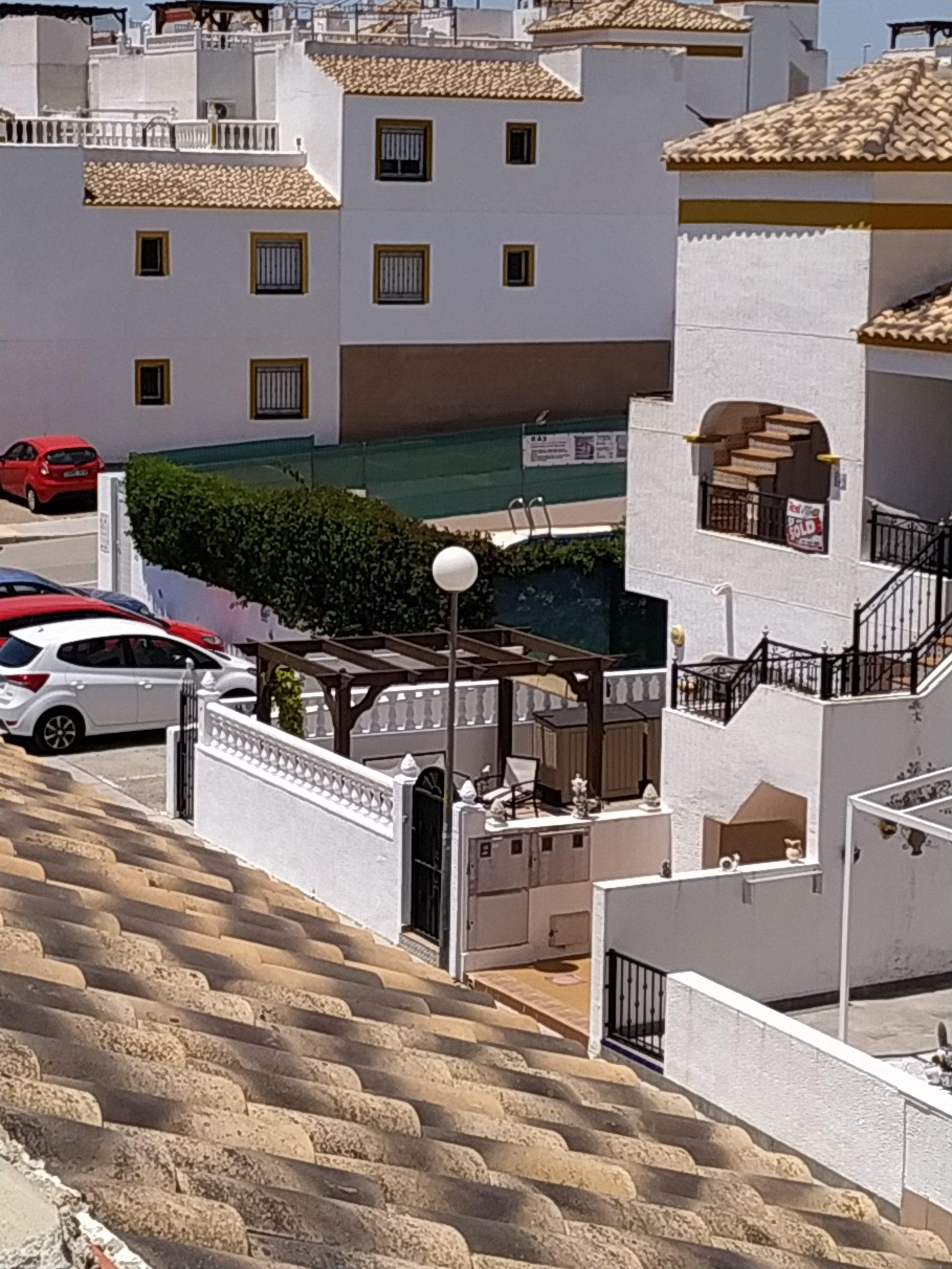 Excellent corner apartment with superb views